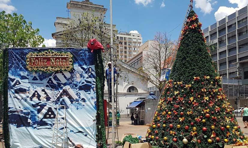 ACIC inaugura árvores de Natal no Centro de Campinas