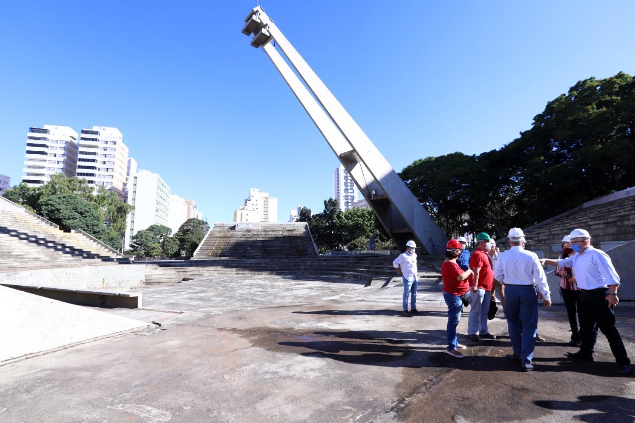 Prefeito de Campinas inspeciona obras de reforma do Centro de Convivência