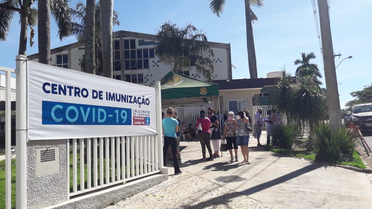 Começa a vacinação para pessoas a partir dos 60 anos em Campinas