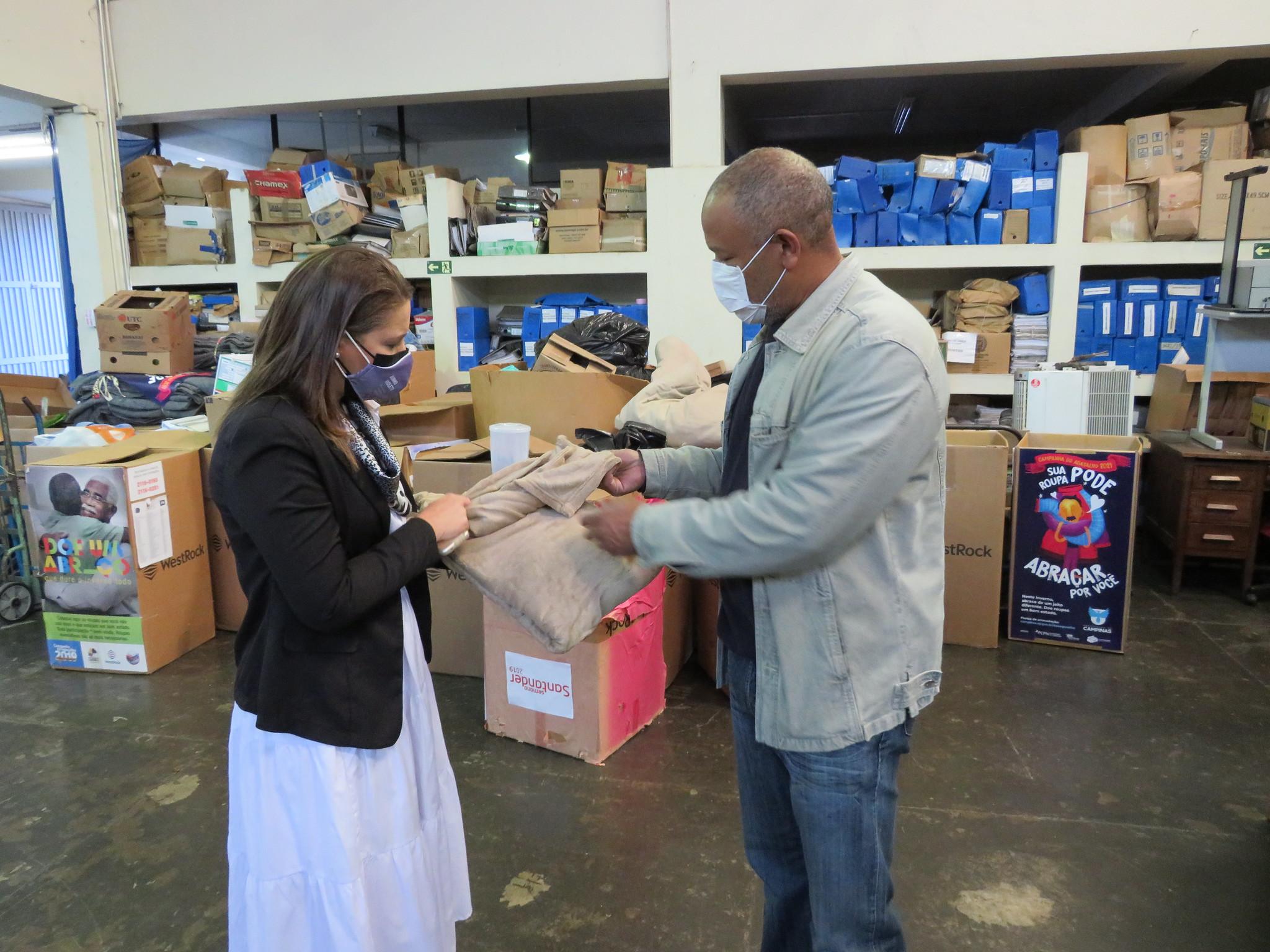 Voluntariado Sanasa firma parceria para Campanha do Agasalho